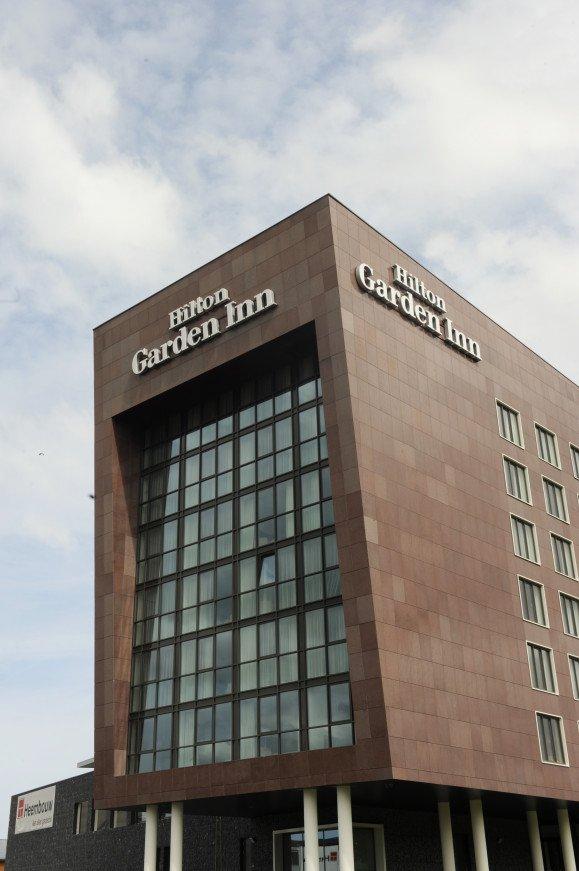 Nieuwbouw hotel Hilton Garden Inn Leiden naast Corpus