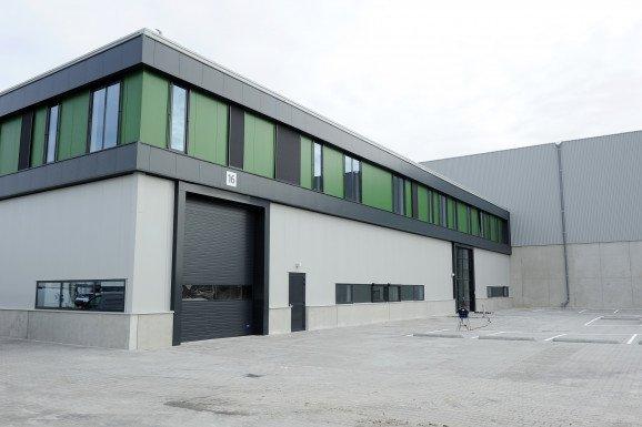 in uitvoering productielocatie met havenfaciliteiten Jiffy International Zwijndrecht