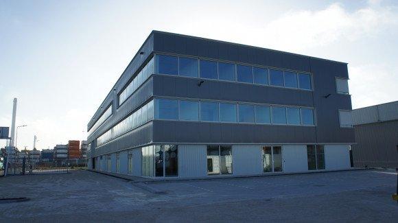 Bedrijfscomplex met nieuw hoofdkantoor HOYER Botlek