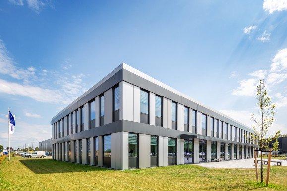 Nieuwe huisvesting Mueller Groenlo ontwerp Heembouw Architecten gerealiseerd door Heembouw