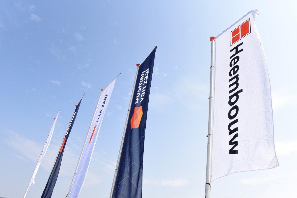Bosman Van Zaal vlaggen bij eerste paal