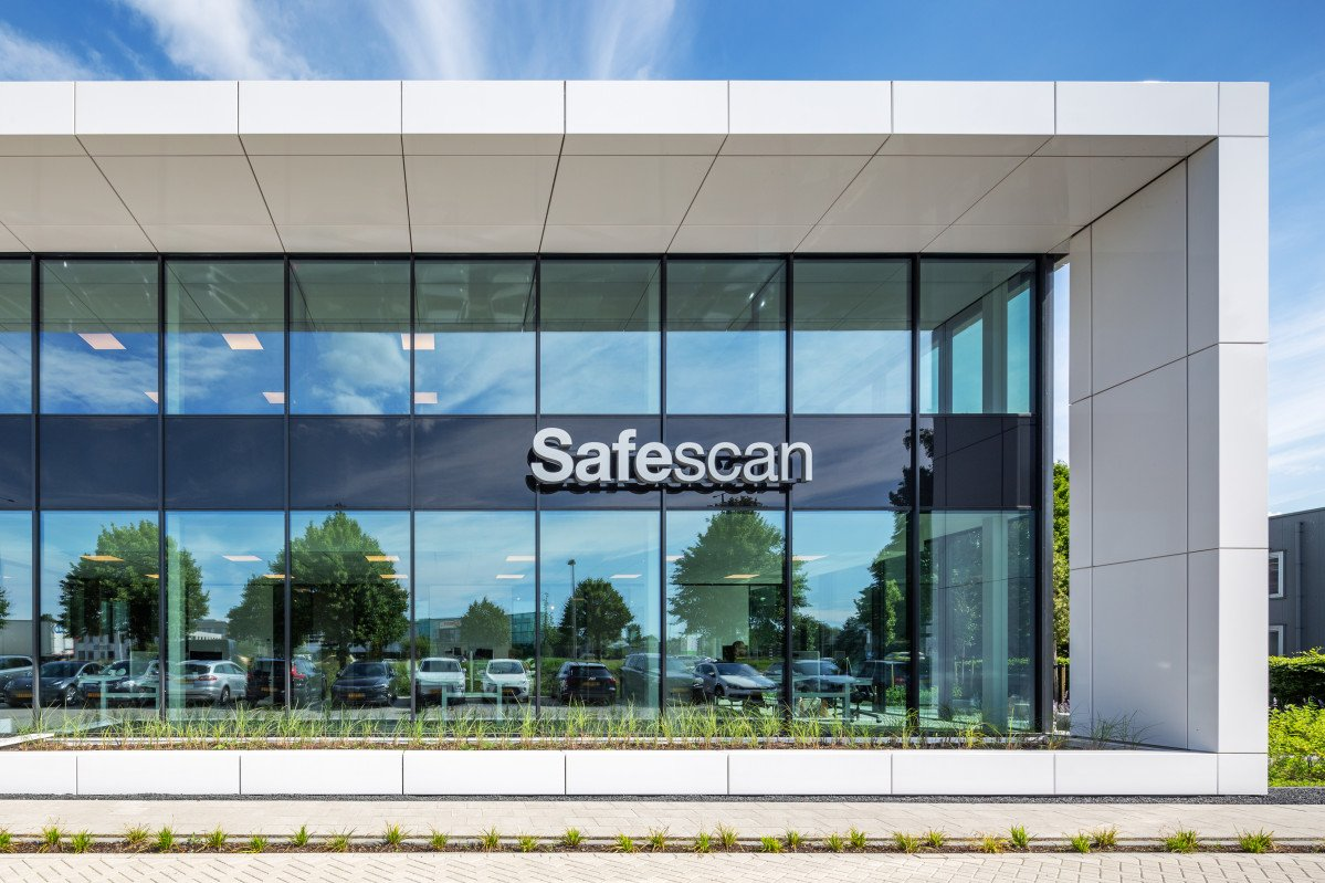 nieuwbouw van het bedrijfspand van Safescan door Heembouw