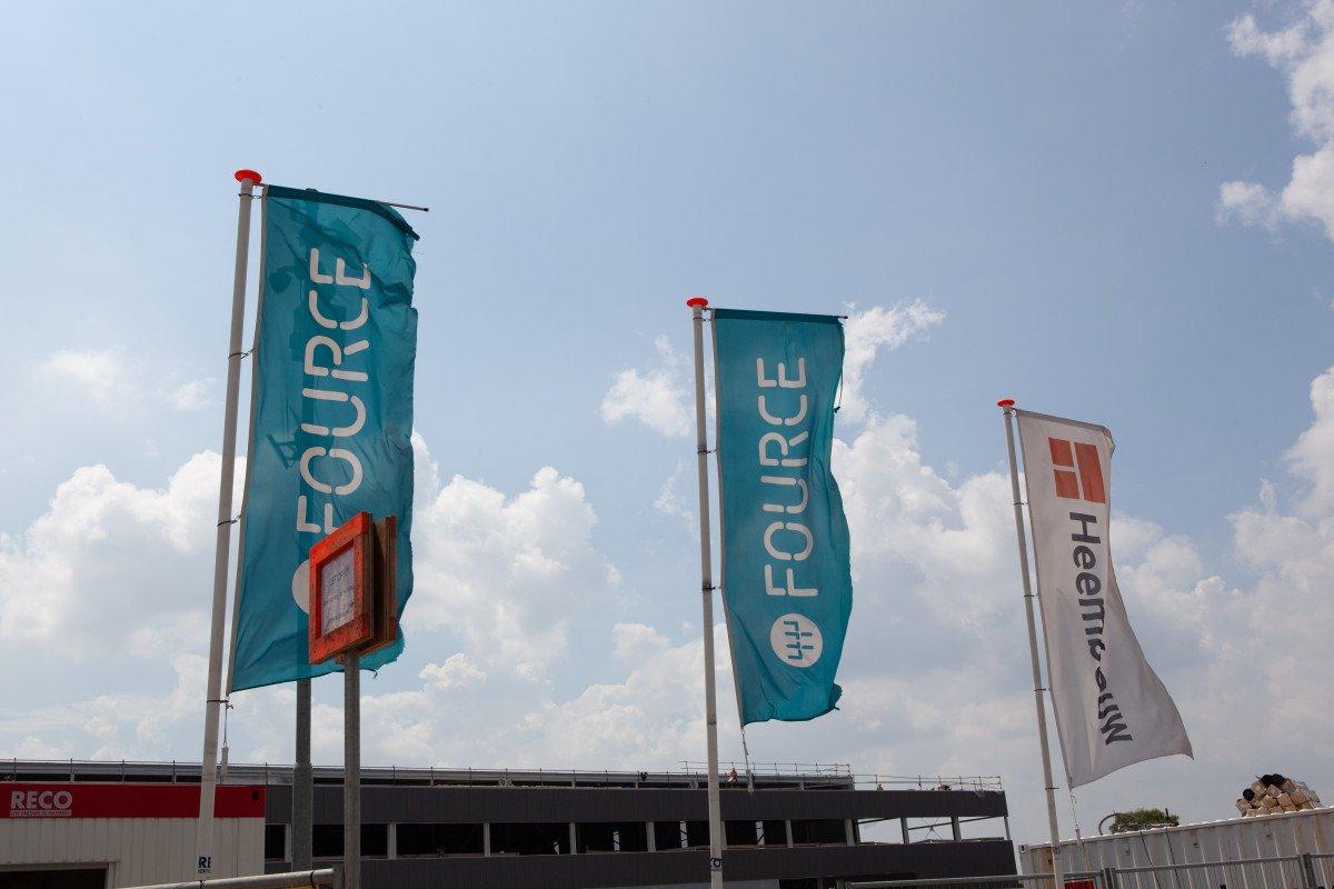 Vlaggen Heembouw en Fource Logistics