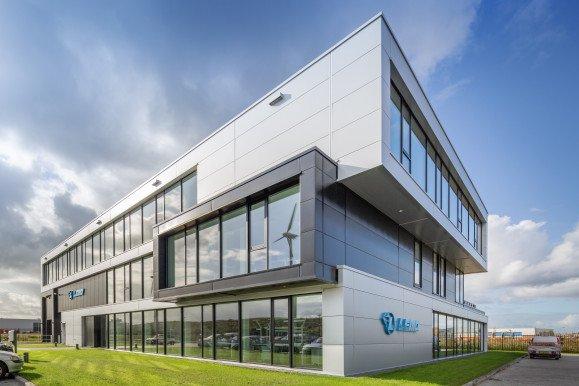 exterieur kantoor en bedrijfshal LEMO Haarlem ontwerp Heembouw Architecten
