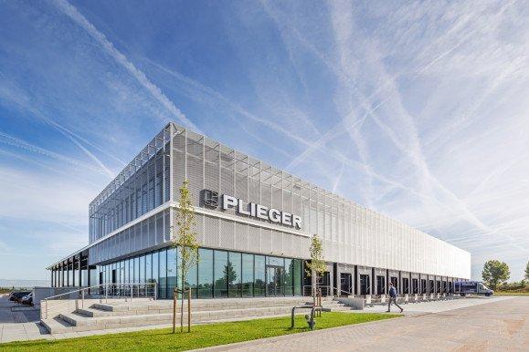 Nieuw Distributiecentrum met kantoor Plieger Amstelveen