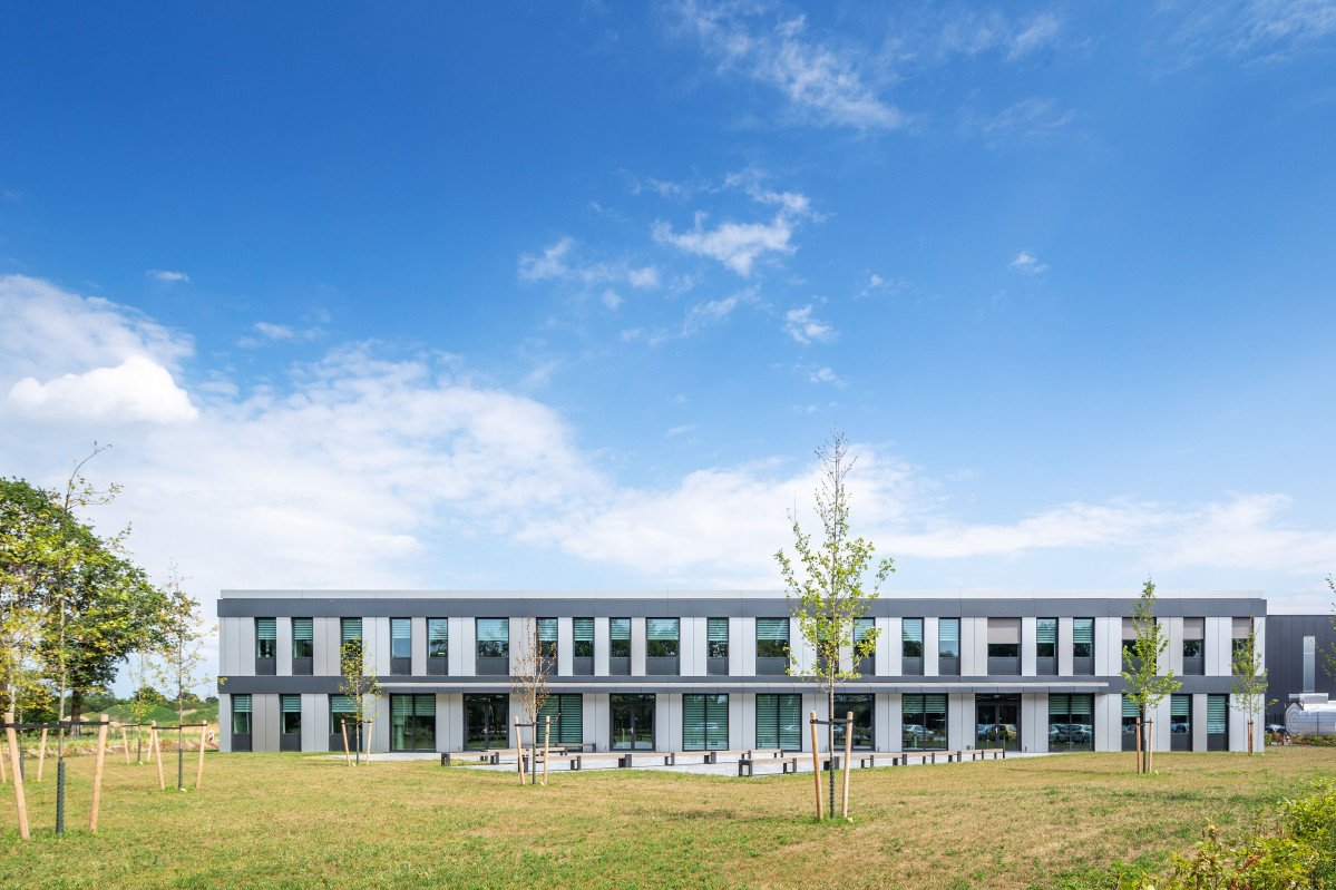 exterieur kantoor Mueller Groenlo ontwerp Heembouw Architecten