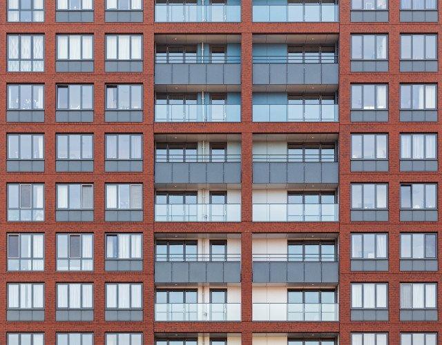 Nieuwbouw woontoren Wonen boven de Hoven Delft balkons