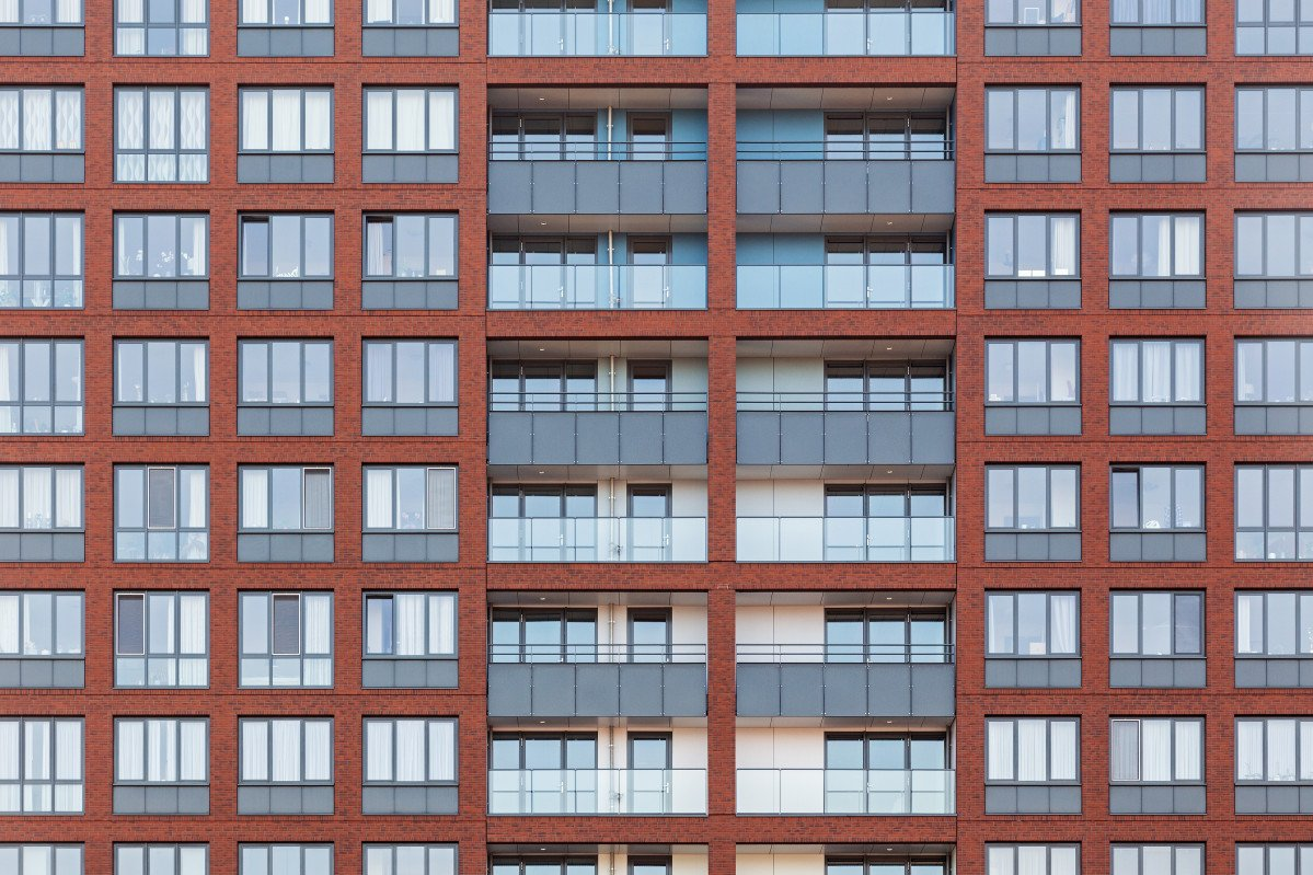 Wonen boven de hoven Delft gevel met balkons