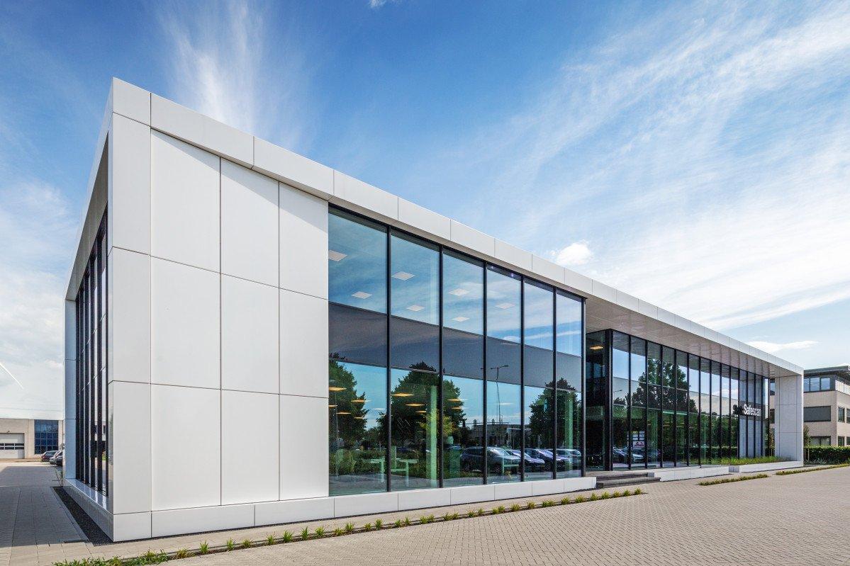 exterieur gevel kantoor Safescan Zoetermeer ontwerp Heembouw Architecten