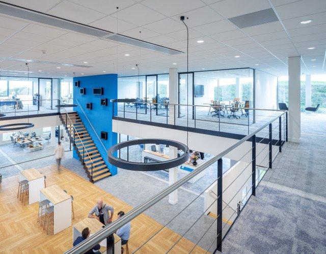 entree interieur kantoor LEMO Haarlem ontwerp Heembouw Architecten