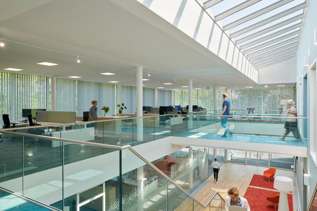 werkvloer met kantoor Orangeworks Oss ontwerp Heembouw Architecten