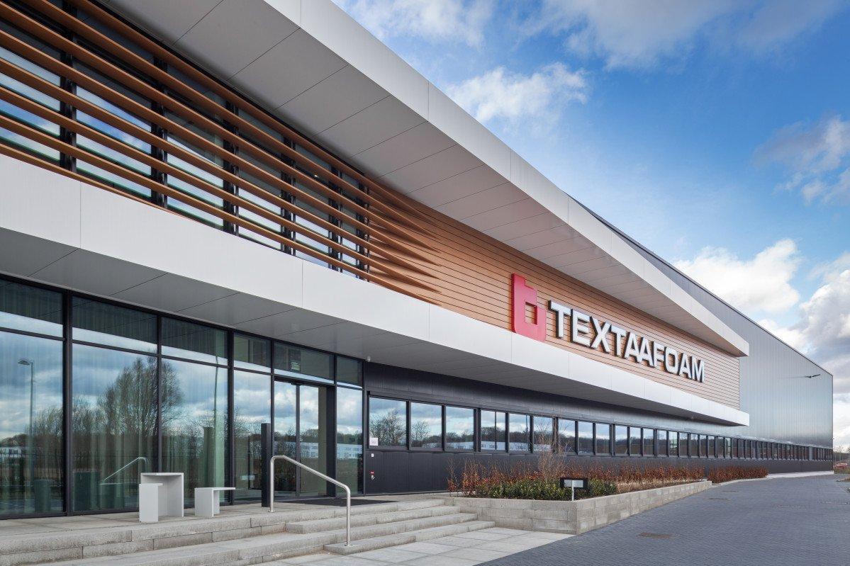 Exterieur bedrijfspand Textaafoam Tilburg