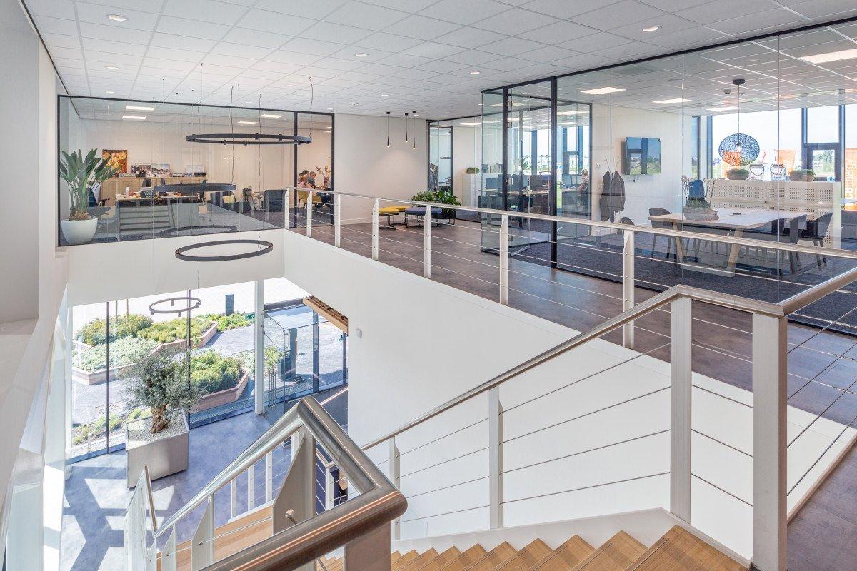 interieur ontvangst entree trap Bosman van Zaal Aalsmeer