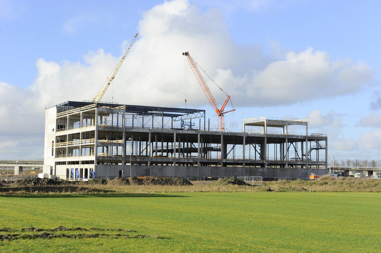 Hoogste punt Nieuwbouw meerlaagse bakkerij Hoogvliet Bleiswijk
