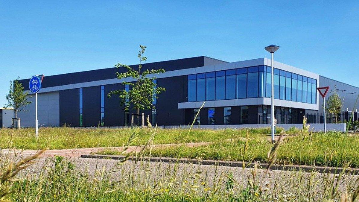 oplevering nieuwe bedrijfspand van Zon Impex op in Berkel en Rodenrijs