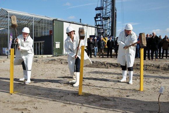 feestelijke start bouw distributiecentrum zelfbedieningsgroothandel HANOS Delft