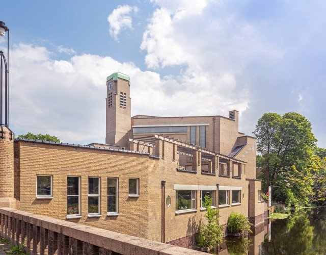 Transformatie Haagse Berlagekerk tot kantoor