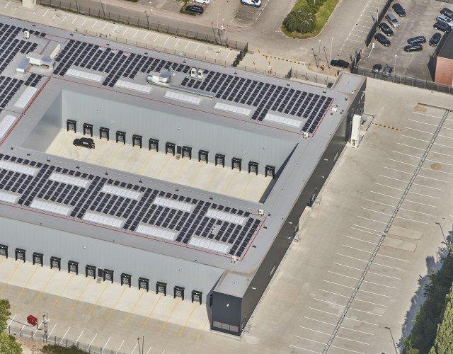 Luchtfoto Pakkettensorteercentrum PostNL Dordrecht