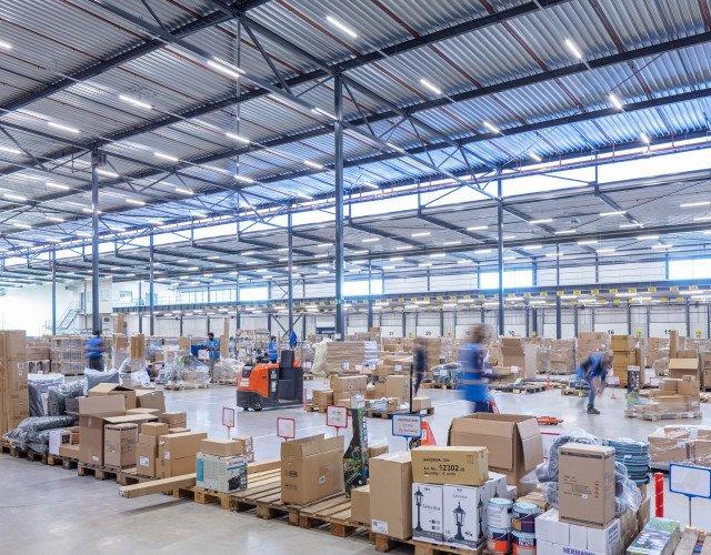 Modern distributiecentrum voor warehousing en/of e-commerce