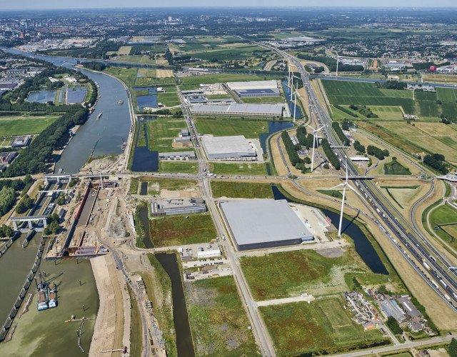 Hoogwaardig en duurzaam distributiecentrum direct aan de A27